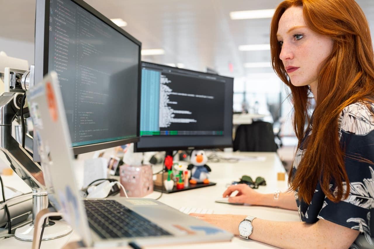 build custom software applications